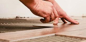 瓷砖粘接剂主要用于室内各类瓷砖的墙面和地面铺贴。
